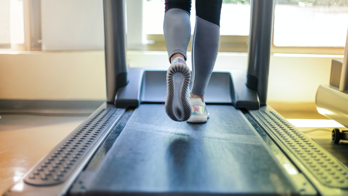 what is a manual treadmill
